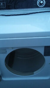 MAYTAG  H/D  DRYER  THE GOOD ONE NOT PERFORMA !!
