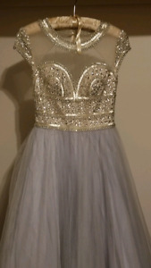 Absolute gorgeous dress for sale bought for 700