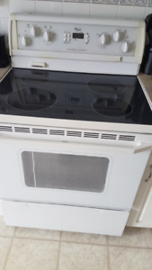 Whirlpool Oven Self cleaning / excellent working conditions