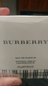 Burberry natural spray women's perfume