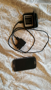 TELUS Samsung Galaxy S3 with external charger and 2 batteries
