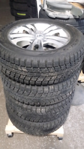 Set of 4 LIKE NEW, 235/60R 17 Toyo winter tires on alloy rims