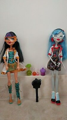 Monster High Toys - Classroom Pack Cleo de Nile and Ghoulia Yelps