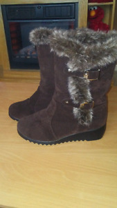 Womens Winter Boot Size 7.5