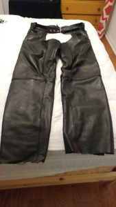 Chaps de moto en cuir (jambiere)- leather motorcycle chaps 50,00