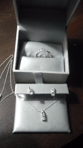 Oval Aquamarine W/Diamond accent: Ring, Pendant and Earrings Set