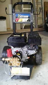 3100 psi Gas Powered Pressure Washer