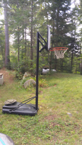Portable basketball stand and net