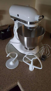 Kitchenaid stand mix with parts
