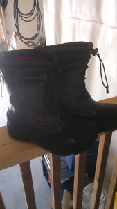 Boys North Face winter boots FREE