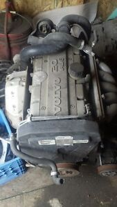 VOLVO 1998 S70 ENGINE $700.00
