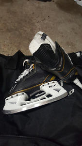 Bauer Supreme One .8 sz 5.5 EE skates, new