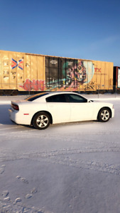 **REDUCED2013 Dodge Charger SE White NEW TINTED WINDOWS AND MORE