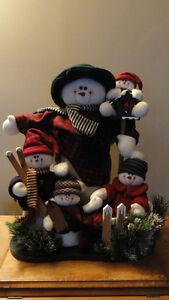 """Famille de """" Bonhommes de neige """", à vendre."""