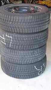 Like new 4 Winter tires on rims: Michelin X-Ice Xi3 , 205/55R16