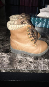 5T adorable girls boots!