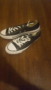 Chuck Taylor Converse size 6.5 women's never worn