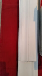 PLINTHES BLANCHES $5. CHAQUE