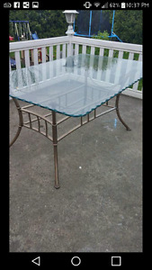 Glass kitchen table with 6 chairs-table en verre avec 6 chaises