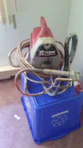 Titan XT250 paint sprayer 100$