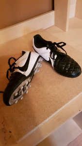 cleats size 3 youth