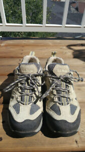 Hiking shoes - 6 1/2 : like new