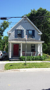 Beautiful, cozy 3bdrm, 1.5bthrm home for rent downtown southside