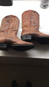 Ariat cowboy boots, Size 9 men's