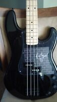 Roger Waters Signature Bass