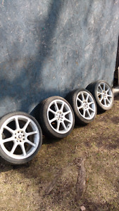 "17"" Eagle alloy rims"