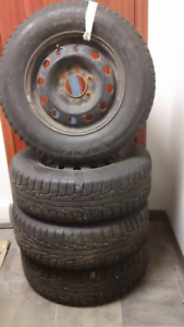 4 tires with 4 rims 225-70-R16 NOKIAN