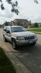 2002 Jeep Grand Cherokee Limited 4 X 4 Mint.