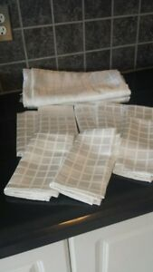 Tablecloth and napkin sets