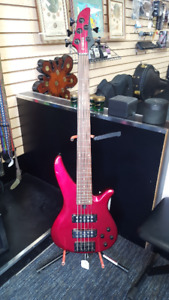 YAMAHA 5 STRING BASS GUITAR RBX375