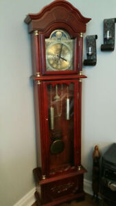 Grand Father Clock (Grand Traditional 71'' Wood Floor Standing )