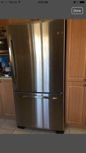 General Electric stainless steel fridge frigo