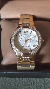 Beautiful Guess Watch New In Box With Extras