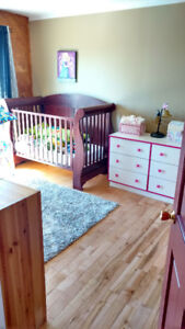 Beautiful Canadian made crib great condition