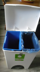 Poubelle (2) compartiments