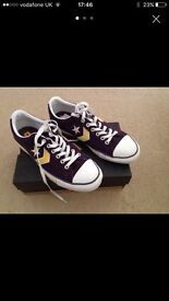 Converse pumps size 9 as new!
