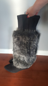 Knee-High Boots with Removable Fur- Size 11