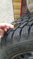 90% new!195/65R/15 Goodyear Winter Tire for Sale, with Rims