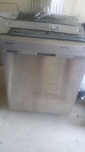 SAMSUNG Dishwasher with Stainless Steel Tub