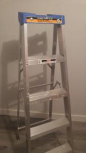 Eagle 5' Step Ladder (excellent condition)