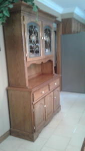 SOLID OAK TABLE, 4 CHAIRS, BUFFET HUTCH