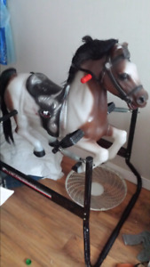 Vintage winds pear bouncy horse