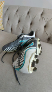 Size 8.5 women cleats