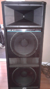 PEAVEY SP4XT BW speakers Open to trades