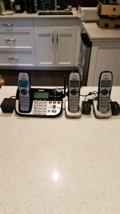 Uniden 3 handset phone system with answering machine