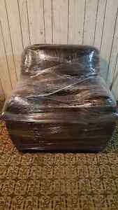 Dark brown leather couch set London Ontario image 2